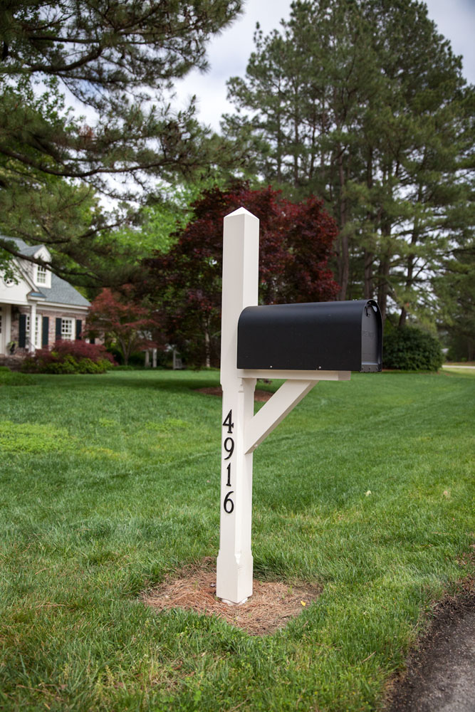 Custom mail box post